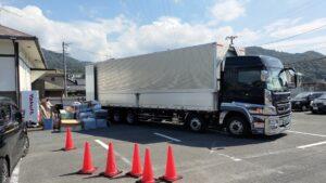 大型トラックへ荷積みを行いました【広島市安佐北区】